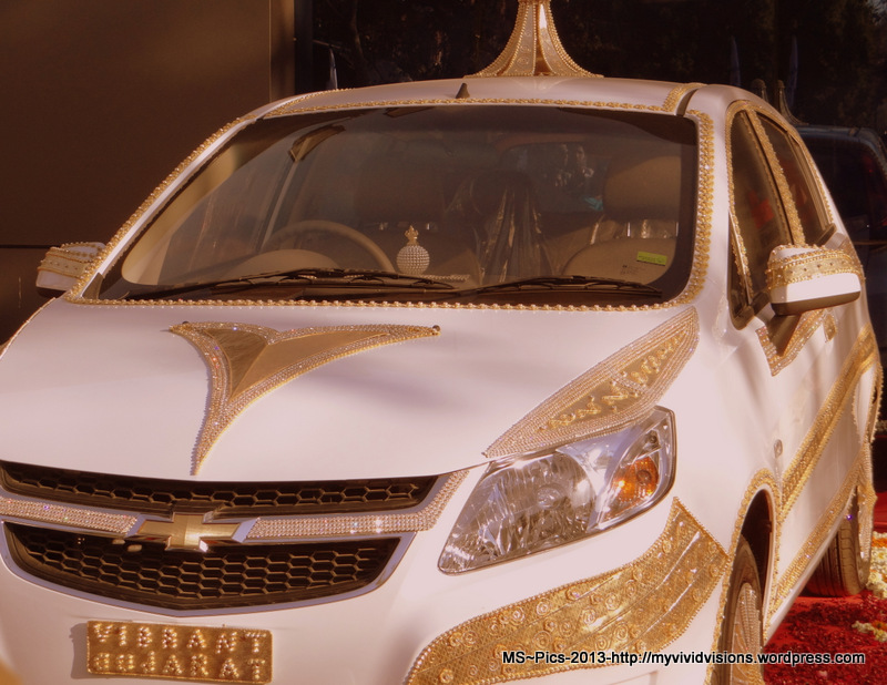 Gold Car @ Vibrant Gujarat 2013